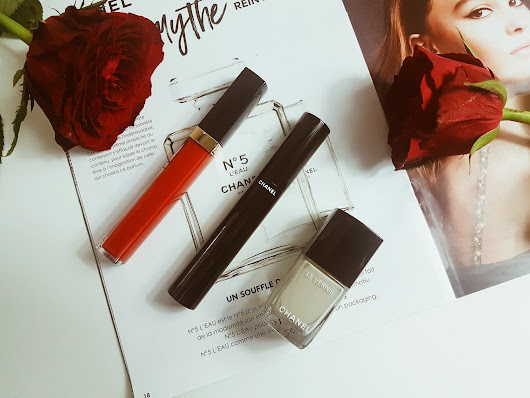 #FirstImpression : Mes 1er produits de maquillage Chanel, mon avis sur Le Teint Ultra, Le Volume de Chanel et Rouge Coco Gloss