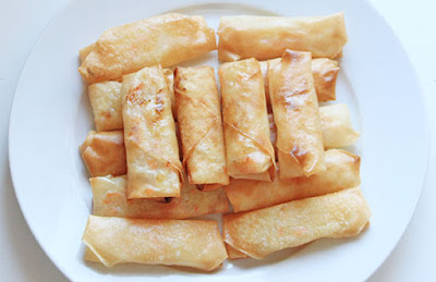 Chinese food - Spring roll with filling of carrot, vermicelli and cabbage