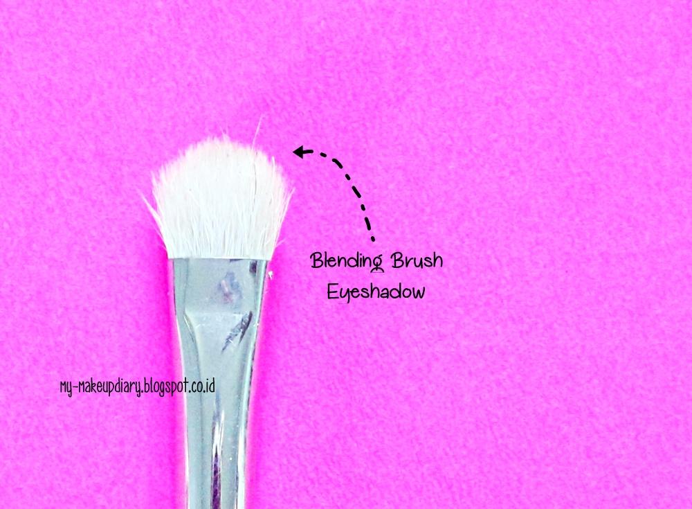 TIPS Memilih Makeuptools Untuk Pemula
