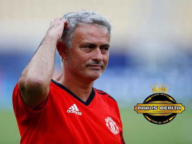 Terlalu Sunyi Di Old Trafford, Mourinho Sindir Supporter MU