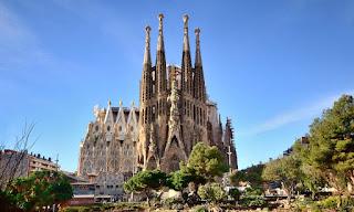 Los mejores sitios para visitar en Barcelona. Templo Expiatorio de la Sagrada Familia. Que visitar en Barcelona. Sitios de interés para visitar en Barcelona. Donde ir en Cataluña.