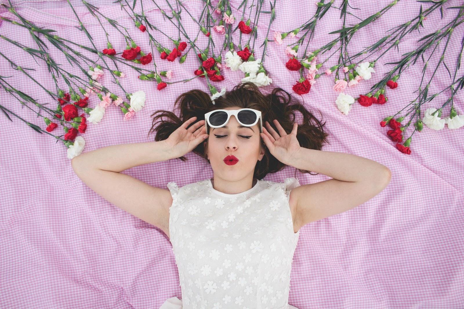 style, vintage, retro, vintage inspired, retro inspired, jones and jones, jones + jones, white short formal dress, white mini dress, floral white dress, audrey hepburn style, taylor swift style, ariana grande style, lolita, american beauty style, screenwriting, feminism, women in film, fashion blogger, film blogger, vintage style, tulle skirt dress, pleated skirt dress, 60's style, classic style, classic hollywood,