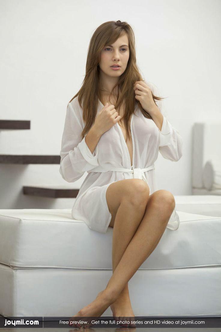 profil connie carter artis seksi dari republik ceko