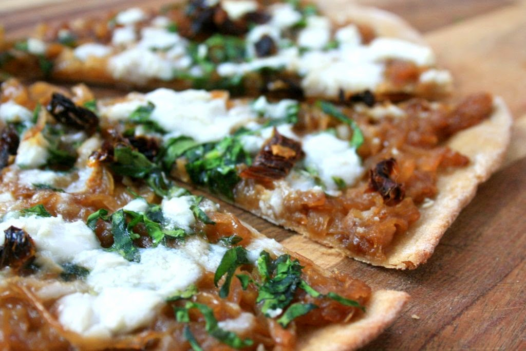 caramelized onion pizza with feta and sundried tomatoes