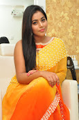 poorna gorgeous photos gallery-thumbnail-7