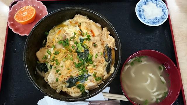 豆腐と豚肉の玉子とじ丼の写真