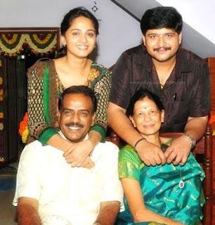 Anushka Shetty Family Husband Parents children's Marriage Photos
