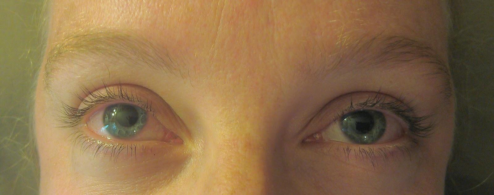 Salon Sovay: Lovely Eyelash Tint and Eyebrow Tint for a Blonde