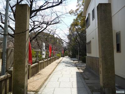 三光神社注連柱