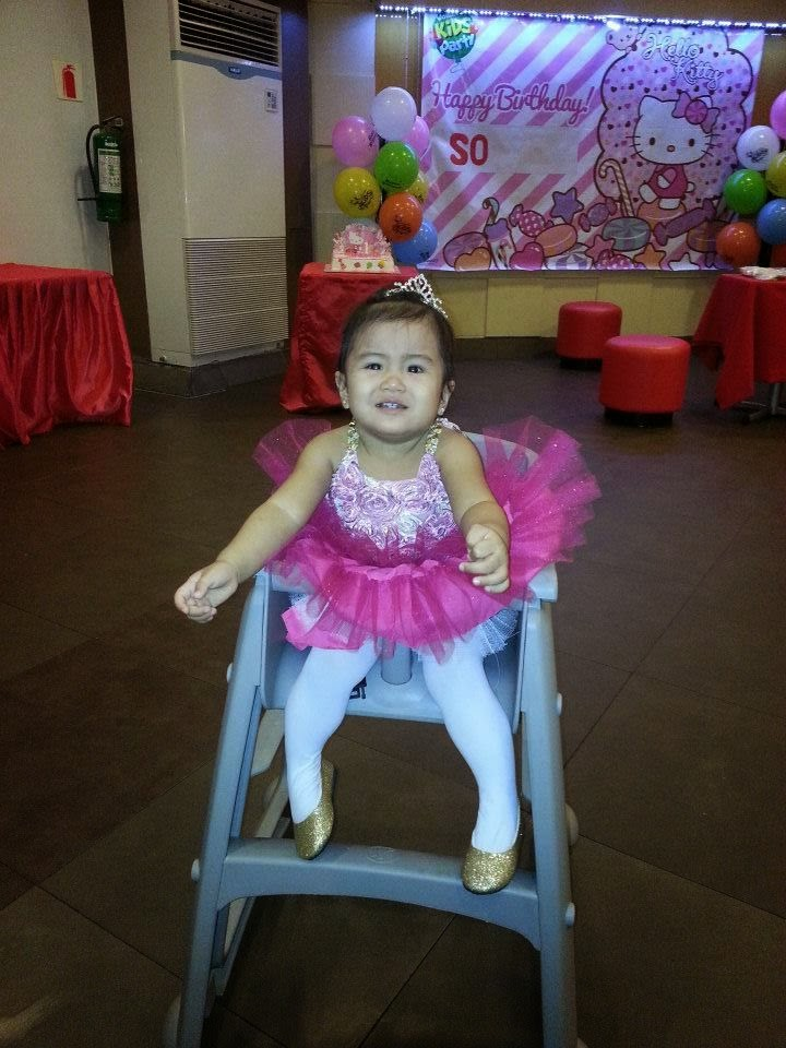d3157014b1 Mommy Tots  Hello Kitty Party Theme at Jollibee