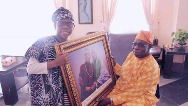 Video + Pictures: Kid star, Ozzybee in a courtesy visit to big daddy OBJ (Chief Olusegun Obasanjo)