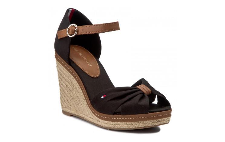 Sandale cu platforma inalta din piele naturala negre la moda
