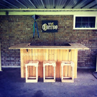 mini bar corona con palets de madera