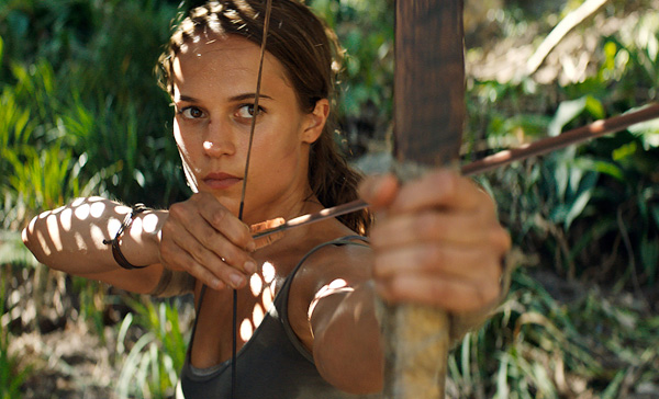 Lara Croft (Alicia Vikander) takes aim in the scene from TOMB RAIDER (2018)