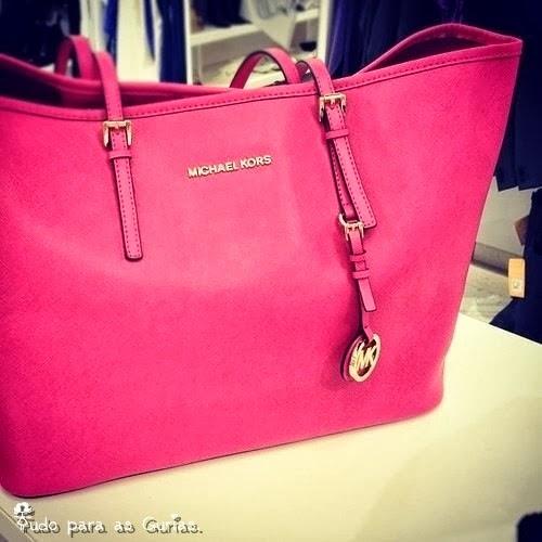 Especial: Outubro Rosa; bolsa rosa