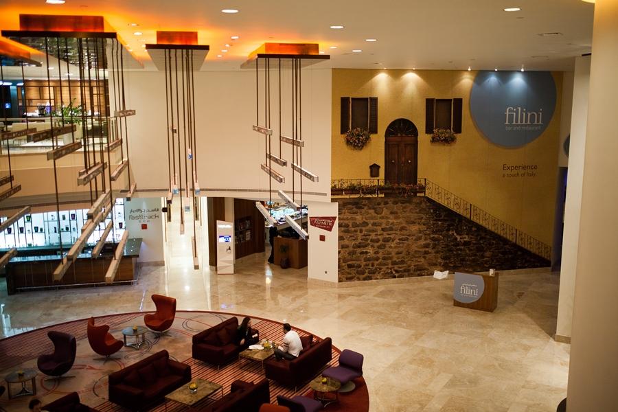 filini restaurant in lobby ob raadisson blu abu dhabi