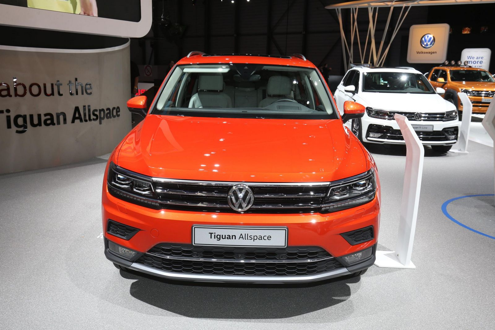 europe enjoys its first sight of the vw tiguan allspace carscoops. Black Bedroom Furniture Sets. Home Design Ideas