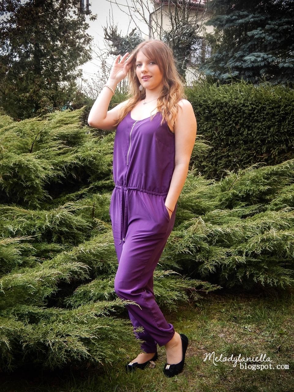 fioletowy kombinezon dlugie spodnie  bez rękawów z gumką suwak, spodnie alladynki bonprx moda