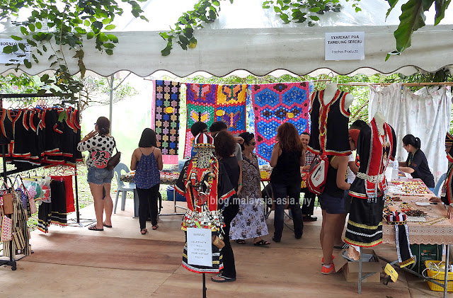 Vendors at Rainforest World Music Festival