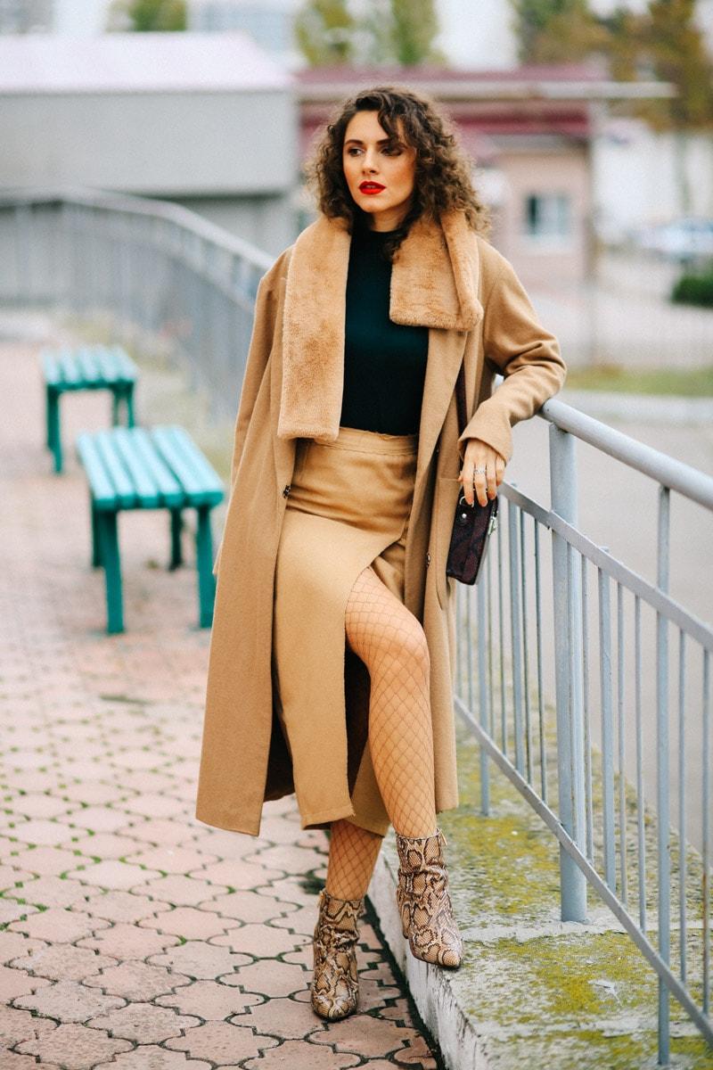 как носить бежевое пальто