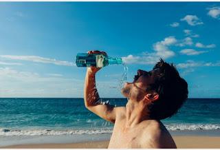 Selain Dibutuhkan Tubuh Ternyata Air Minum Ada Dampak Negatifnya.