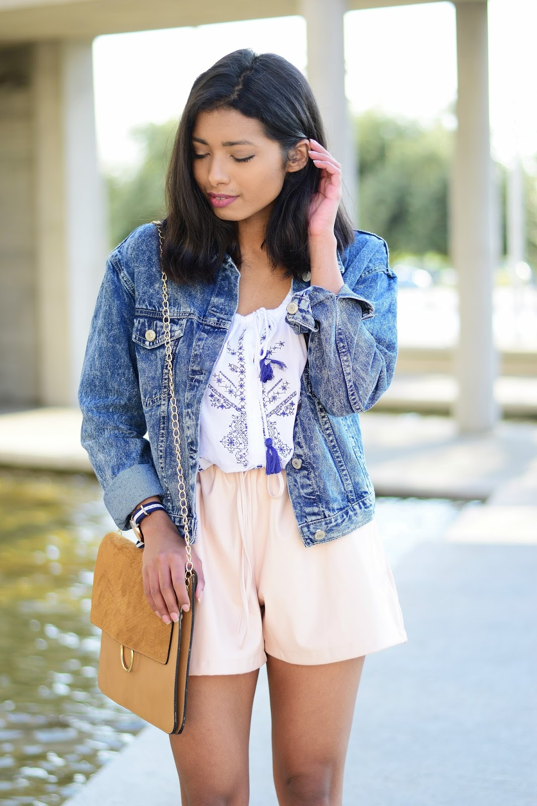 how to wear denim jacket in spring