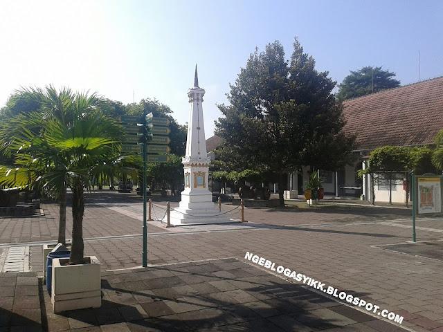 Tugu Jogja di Benteng Vredeburg Yogyakarta