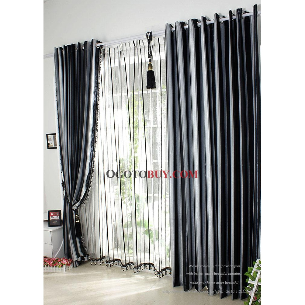 Curtain Clips With Rings Close Closed Closet Door