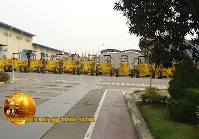 PT. Komatsu Indonesia membuat excavator,  DUMP TRUCK, BULLDOZER