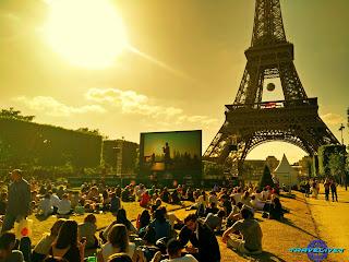 Tour Eiffel aux Champs de Mars