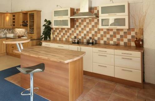 model lantai dapur