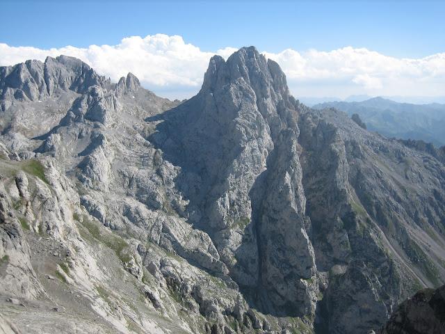 Rutas Montaña Asturias: Torre del Friero desde Refugio Collado Jermoso