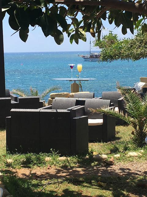 Bonamare beach bar cafe #review #cyprus