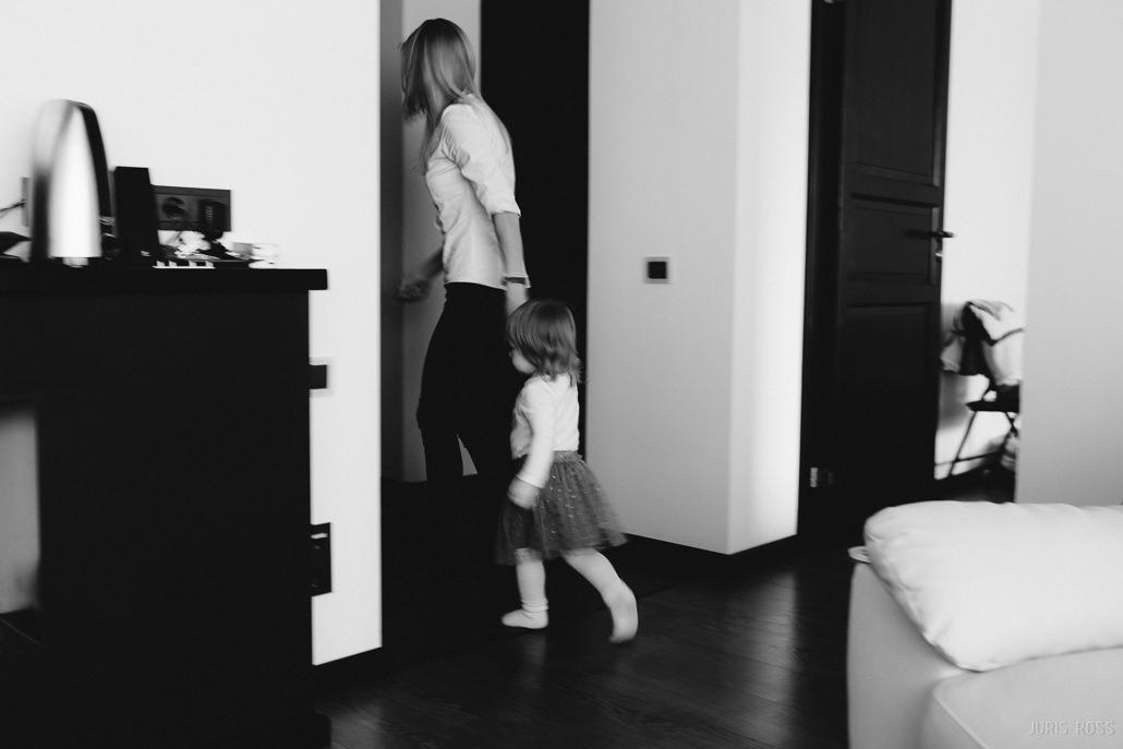 kā bērnu iemācīt čurāt uz poda