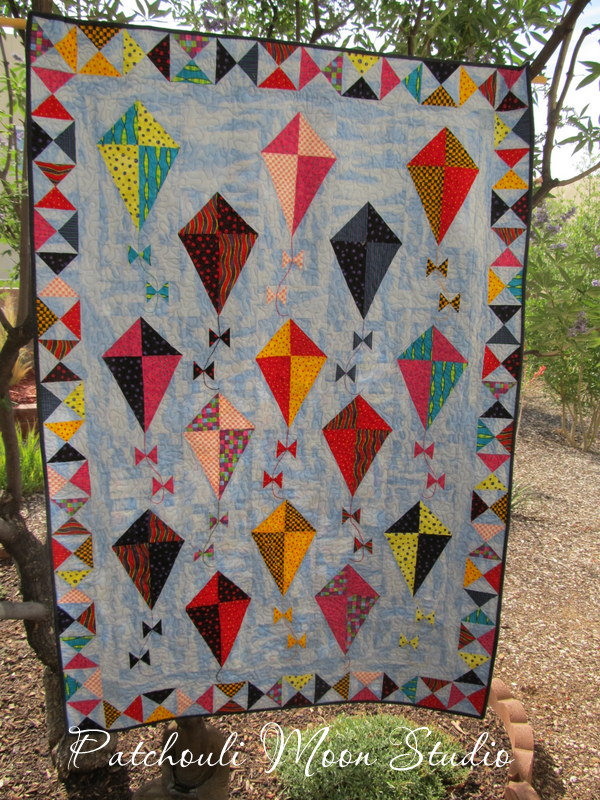 Patchouli Moon Studio: Let's Go Fly a Kite (a kite quilt that is) : kite quilt pattern - Adamdwight.com