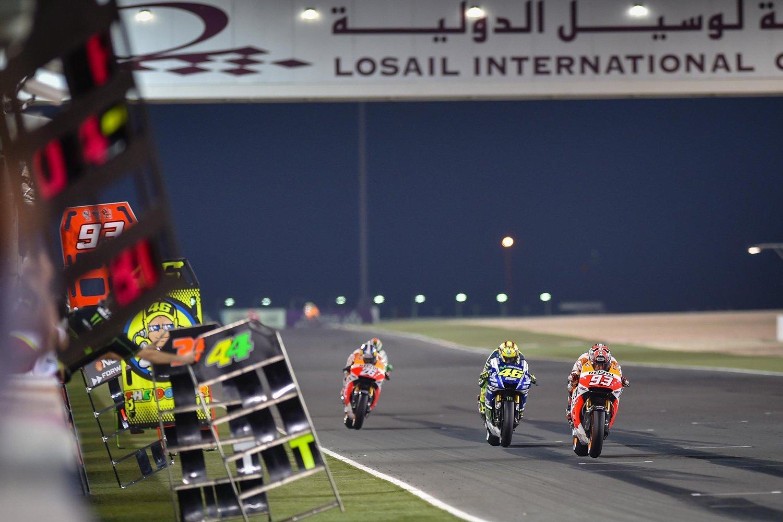 ผลการค้นหารูปภาพสำหรับ motogp night race