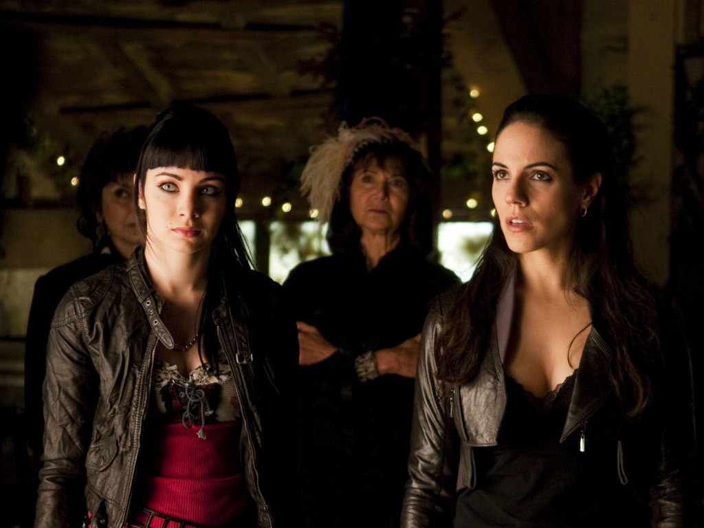 Lost Girl - Season 1