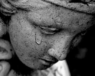 Αποτέλεσμα εικόνας για Ότι νιώθει η ψυχή, σημαδεύει το κορμί!
