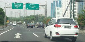 Jakarta-Sentul, Pria ini Cuma Sekali Injak Rem?