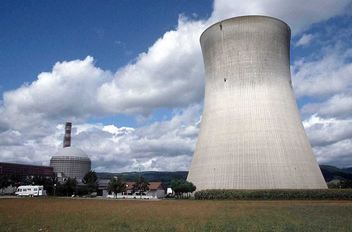 Cyberphysics Nuclear Power Advantages And Disadvantages Of Using Energy Ace A Plant