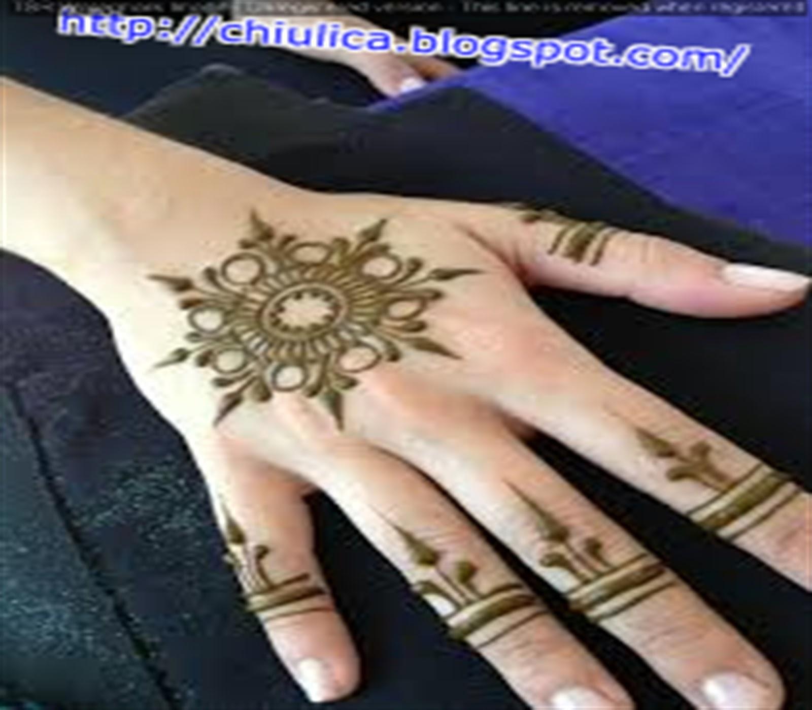 gambar henna simple, desain henna untuk pemula, motif henna untuk kaki, henna telapak tangan simple, motif henna bunga, motif henna yang mudah, simple henna flower, henna tangan mudah