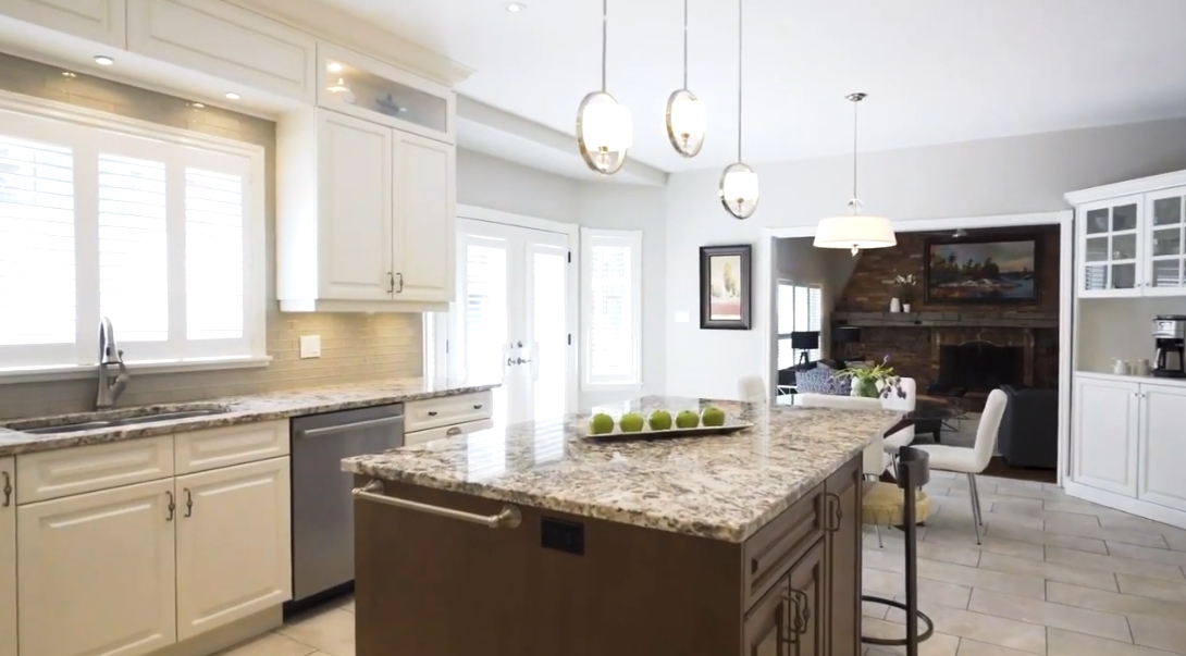 28 Photos vs. 3634 Walnut Grove Rd, Mississauga, ON Interior Design Luxury Home Tour