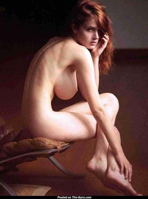 Alexina Graham braless