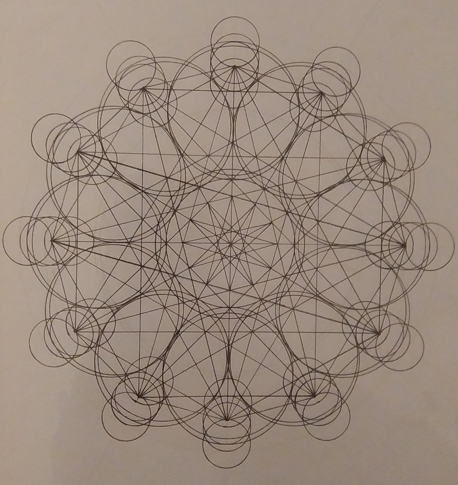 [SPOLYK] - Geometries & sketches - Page 6 47579314_1103195356533814_1759005724387573760_o