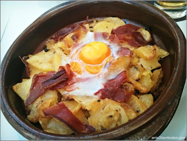 Gastronomía Almeriense: Tapa de Cazuela de Huevo con Jamón y Patatas