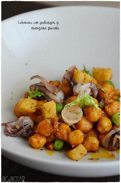 Calamares con garbanzos y manzana picante
