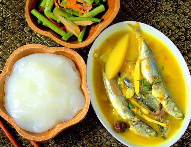 Xvlor Papeda is dish of sago porridge and fish by people of Papua