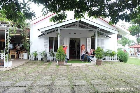Ngeteh Cantik di Rumah Teh Ndoro Donker, Karanganyar