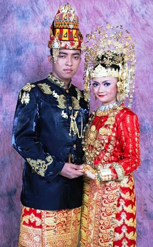 Pakaian Adat Aceh Lengkap Nama, Gambar Motif, dan ...