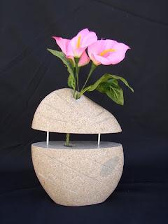 Diseño de floreros creativos e inusuales.